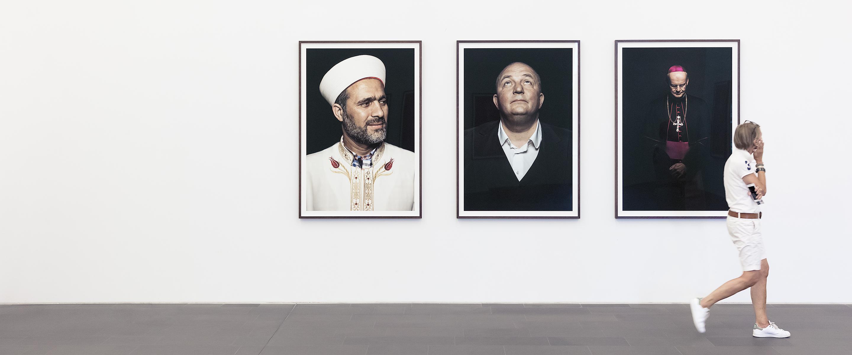 Kontaktaufnahme in der Galerie, S. Wickenkamp